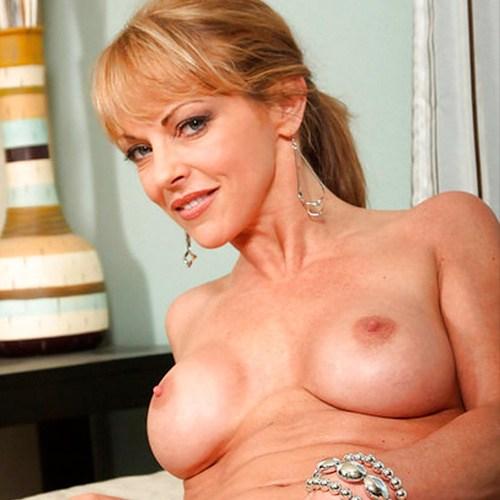 Pornstar Shayla LaVeaux