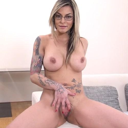 Pornstar Klarisa Leone