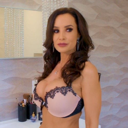 Lisa Ann porno star films