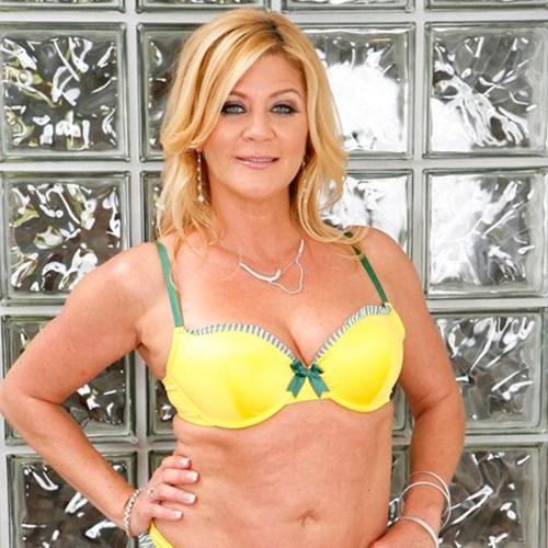 Pornstar Ginger Lynn