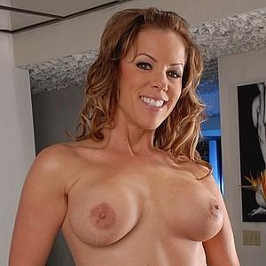 Pornstar Kayla Synz
