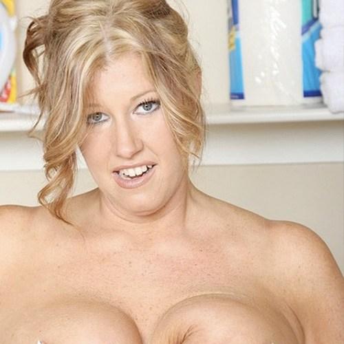 Pornstar Zoey Andrews