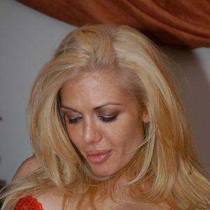 Pornstar Nina Dolci