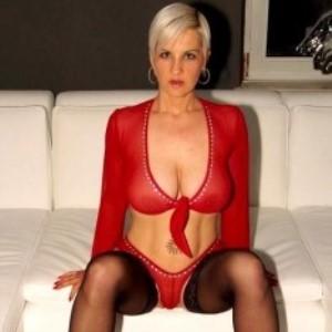 Pornstar Heidi Hills