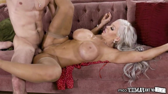 Beautiful mature lady gives a young guy her ass to hard fucking