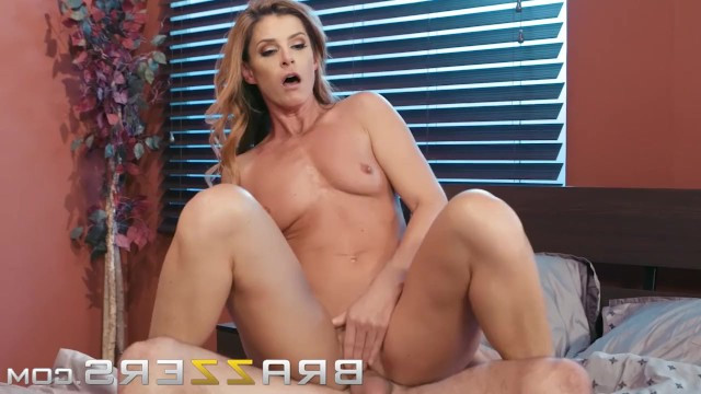 Body of hot skinny milf India Summer wants the best hardcore sex and she gives herself to gentleman