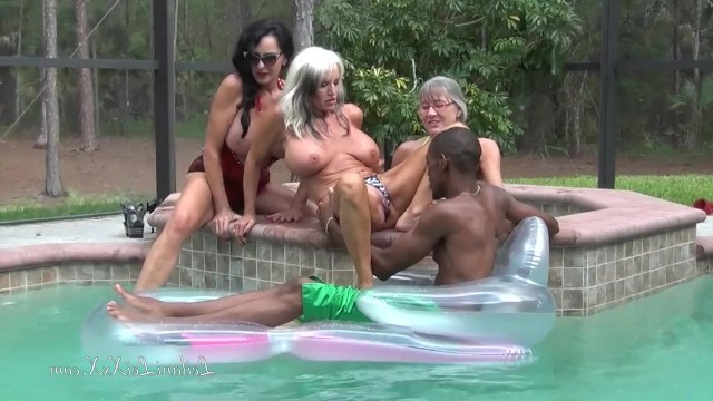 Busty mature lesbians Rita Daniels, Sally Dangelo and the third beauty honored ebony by fucking