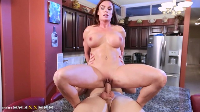 Cooking breakfast was crowned for mature milf with hard sex in the kitchen