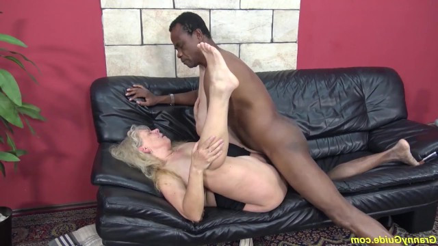 Granny realized her ditry dream of rough sex with a black man