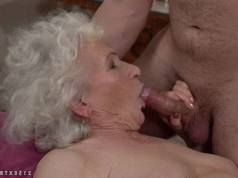 Granny was fascinated by a young guy and fucked with him after cunnilingus