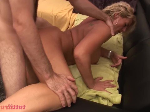 Granny with huge tits came to the casting and left only after wild fucking