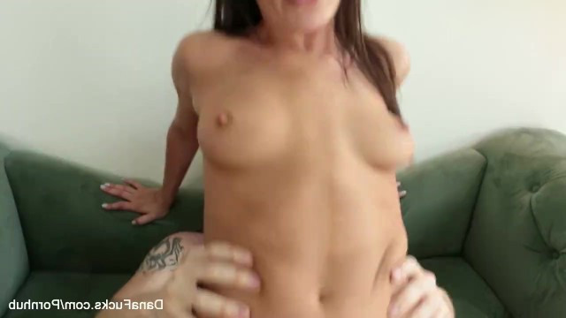 Guy fiercely fucked mature Dana DeArmond so she could have an orgasm