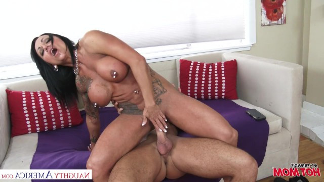 Guy seduced hot sexy milf with big biceps and fucked her