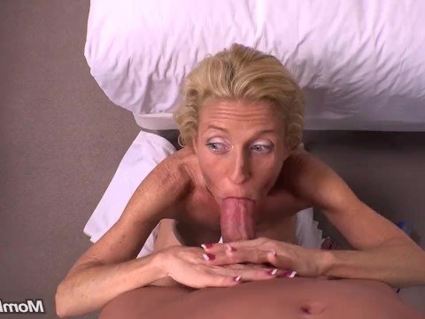 Horny skinny granny came to the casting to show how she fucked in her youth