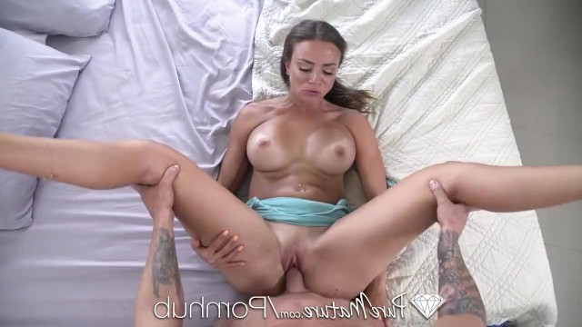 Hot stepmother caught her son jerking off and seduced him into cool incest