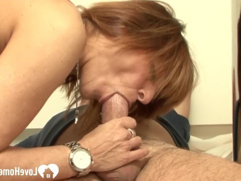 Hubby bangs the mature housewife right in the kitchen, preventing her from cooking dinner