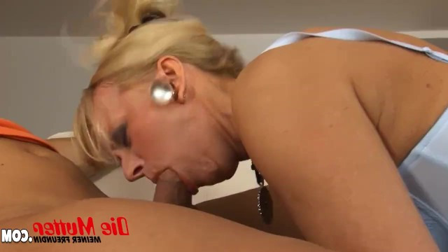 Lustful jock could not resist and fucked the horny mature mom of his new girlfriend
