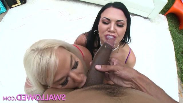 Man did anilingus to a mature lady and received blowjob from her slutty friend