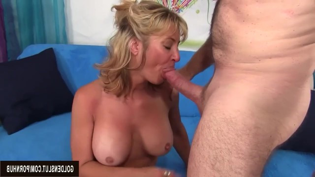 Man helped old mature milf to feel sperm on face after a hard fuck