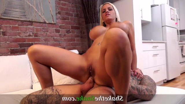 Man spent a lot of money to fuck the perfect mature prostitute in tight anal