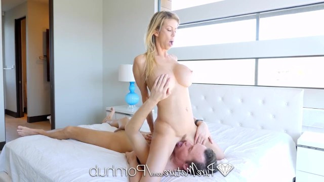 Mature Alexis Fawx wanted to take off her clothes for laundry and her stepson fucked her