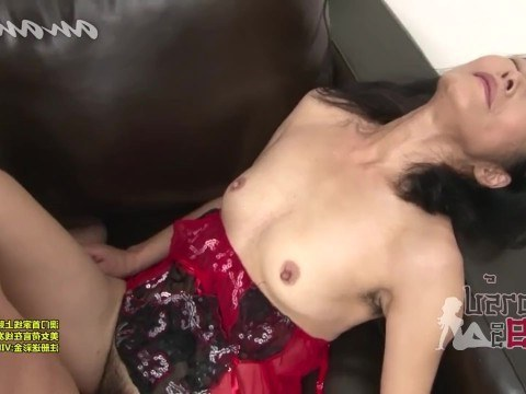 Mature asian chick remembered the youth and climbed on hard guy's cock