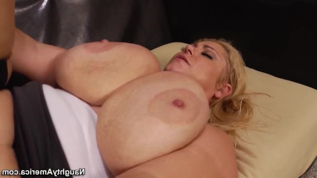 Mature BBW seduced the young guy to feel the strong cock in her body