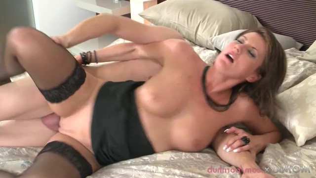 Mature beautiful brunette celebrates her move to her lover with incomparable sex