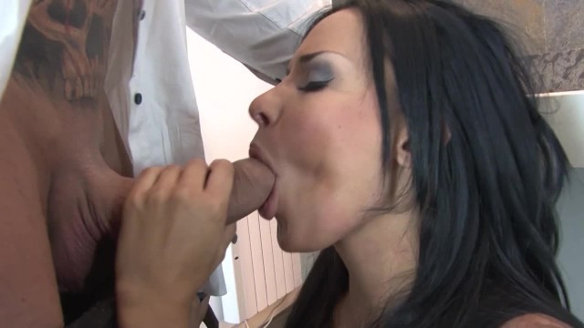 Mature beauty paid all the debts to the gangsters with anal sex