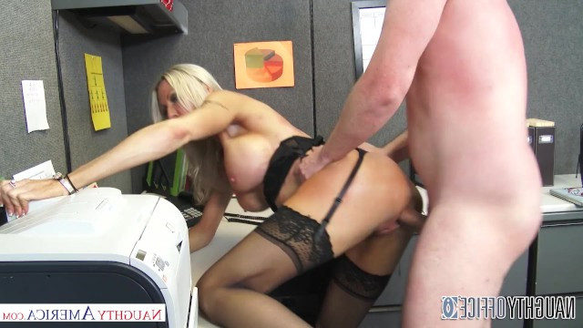 Mature blonde seduced employee on sex to ride his dick