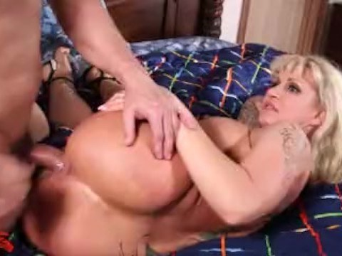 Mature blonde with big tits let her bald neighbor in and had crazy sex with him