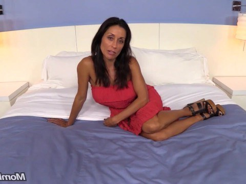 Mature brunette went through a casting perfectly thanks to her love of sex