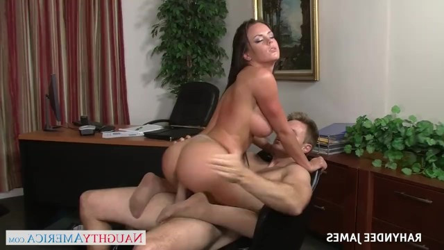 Mature cougar Ruhindi James got the award for passionate sex at work