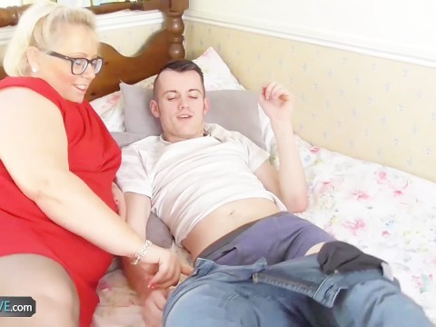 Mature fat mom decided to tell son, what sex is
