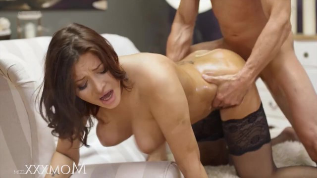 Mature lady Anna Polina nicely asks her boyfriend for sex
