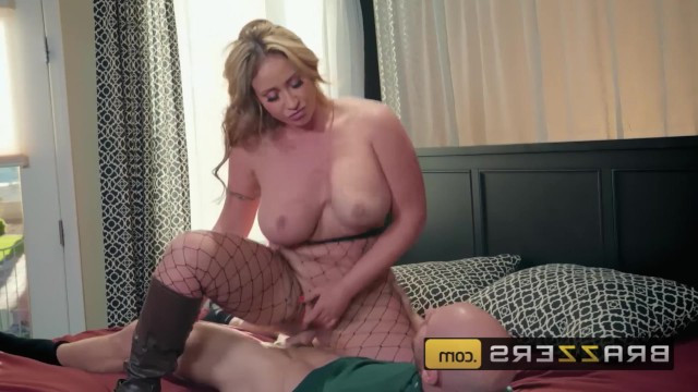 Mature milf Eva Notty caught guy with a butterfly net and audacious fucked him