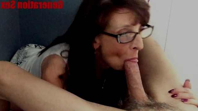 Mature mom apologizes to her son for her screaming with an amazing blowjob