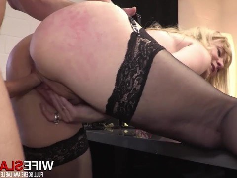 Mature office lady Nina Hartley is tired of work and fucked with coworker