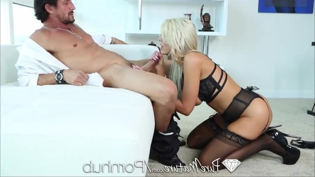 Mature pornstar Nina Elle does not get old with soul and hardcore fucks