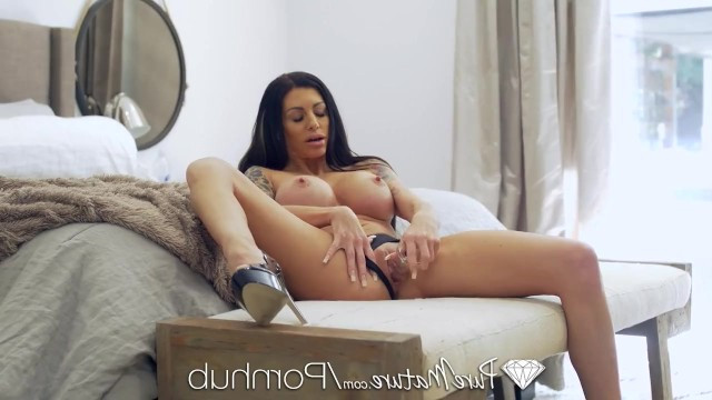 Mature tattooed milf enjoys hardcore sex with the big dick