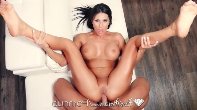 Mature wife arranged a romantic dinner for her hubby and was fucked in anal