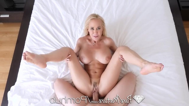 Mature wife cheated and fucks with her lover in search of forbidden pleasures