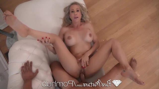Mature wife cheats on her husband with a young guy and enjoys hardcore fucking