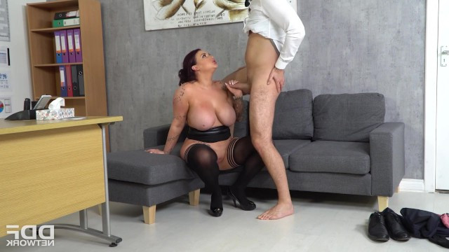 Mature woman Harmony Reigns fucked man with help of big tits and mouth
