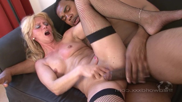 Mature woman resting from her husband doing hardcore interracial fuck
