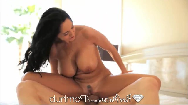 Milf Ava Adams doesn't want to get off the guy's big dick and gets pleasure