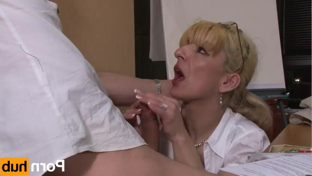 Milf blond boss is forcing incompetent employee to anal sex