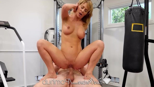 Milf Cherie Deville decided to become slim and fucked with her personal trainer