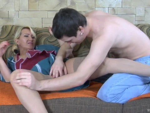 Milf maid was about to go home, but the employer fucked anal