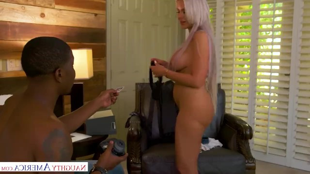 Milf mom sheltered her sons best friend and fucked with him